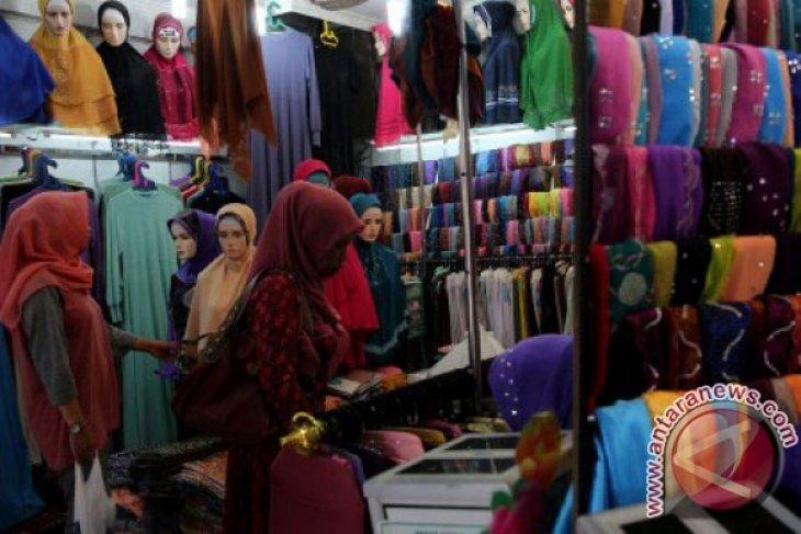 Toko pakaian di Abdya diserbu pembeli