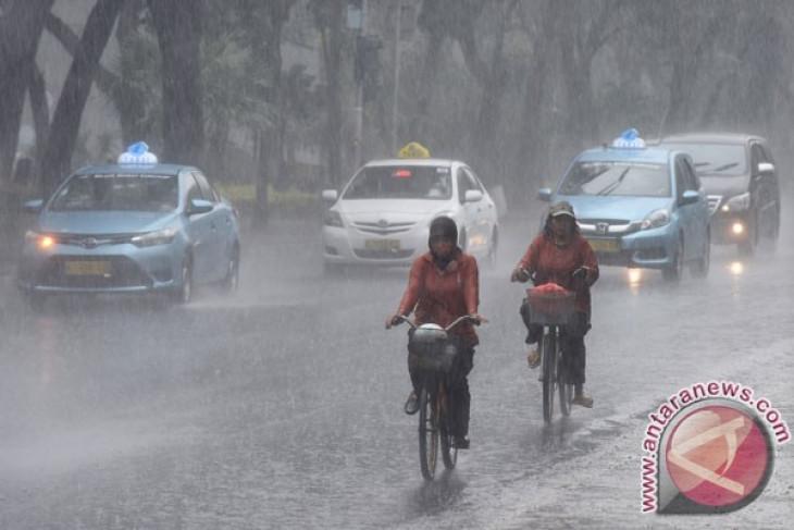 Indonesia peak rainy season expected in January, February 2017
