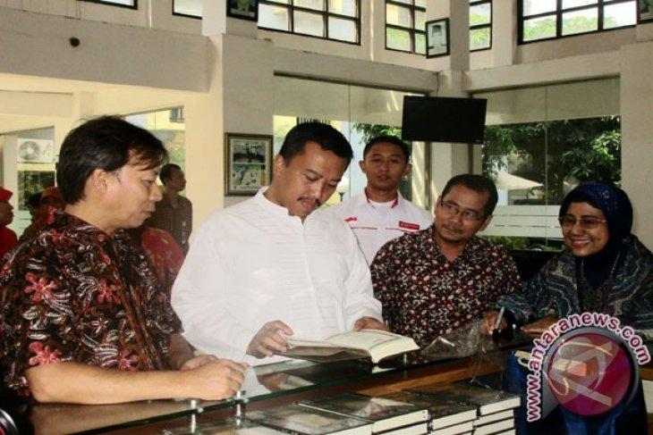 Pawai obor Asian Para Games 2018 berlangsung di Kota Ternate