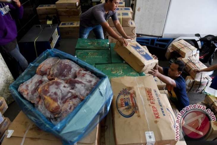 Masyarakat Diminta Tidak Khawatir Gizi Daging Beku