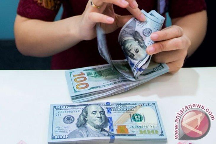 Dolar Amerika menguat untuk hari kedua, khawatir atas  resesi global