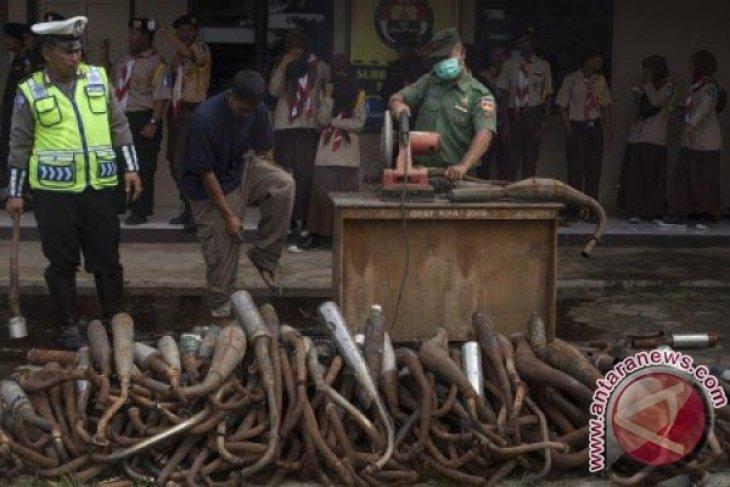 Muspida Kota Sukabumi Musnahkan Ratusan Knalpot Bising