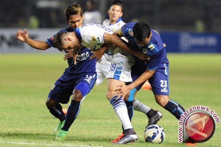 Persib Bandung Kalahkan PSM 3-2