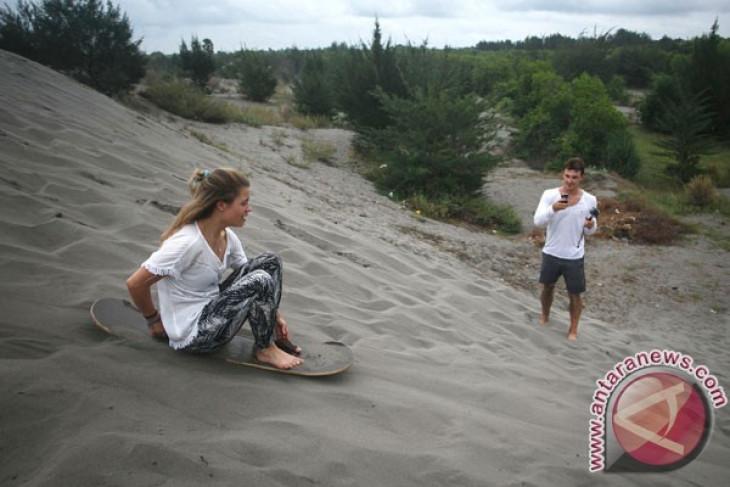 Bantul coordinates with parties for sand dune tourism development