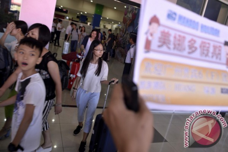 Chinese tourists visit to Indonesia up 275 percent