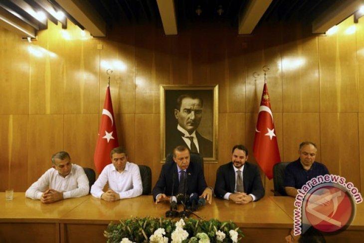 Turki Tahan 103 Pejabat Militer Setelah Upaya Kudeta