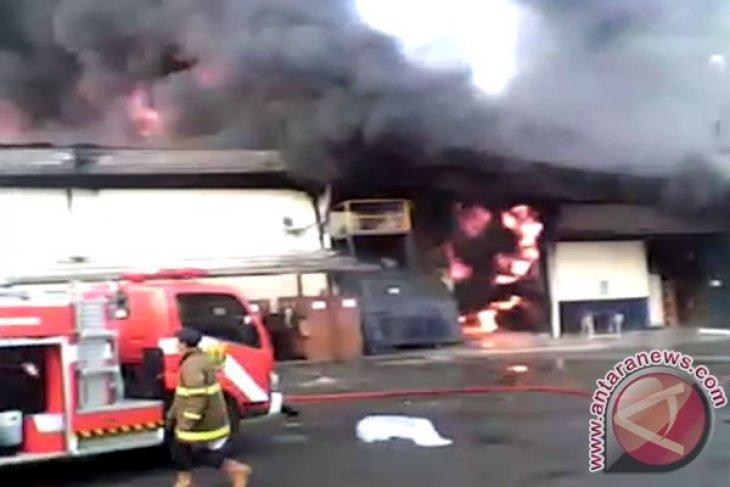 Pabrik Garmen Di Sukabumi Terbakar
