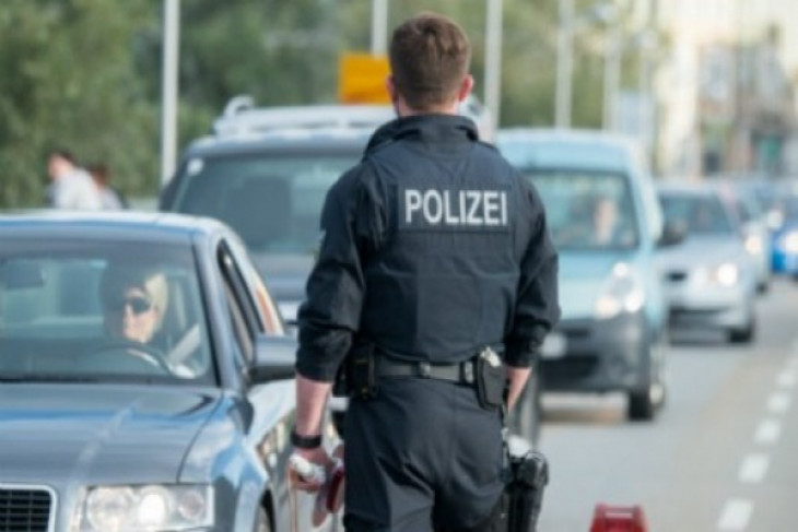 Multiple deaths at shooting rampage in German shopping mall: Police