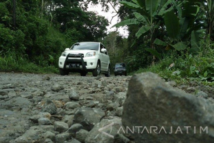 Disparporahub Bondowoso Ajukan Perbaikan Infrastruktur Jalan Menuju Lokasi Wisata