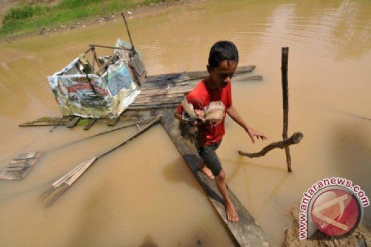 Sungai Tercemar Jambi