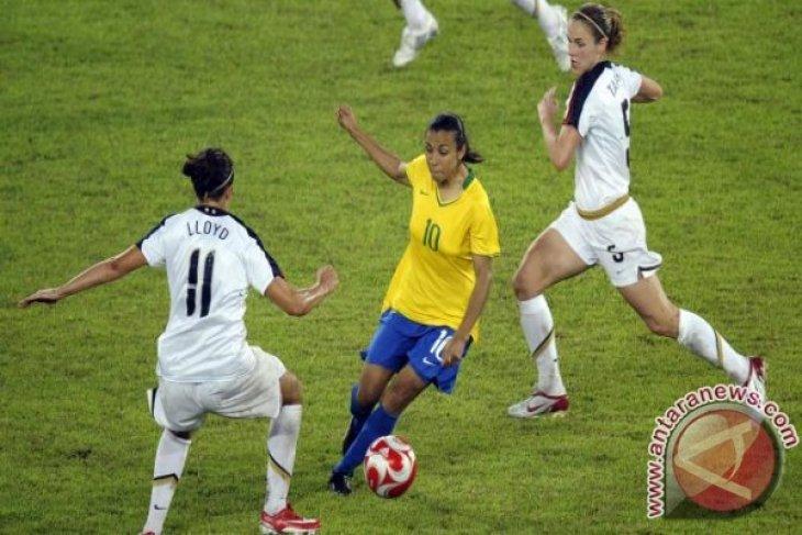 Tim Sepak Bola Putri Brasil Menang 3-0 Atas China