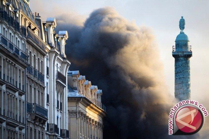 Kebakaran Tewaskan 13 Orang di Bar Prancis