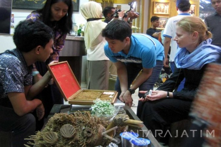 Mahasiswa dari Lima Negara Kunjungi Museum Tembakau Jember
