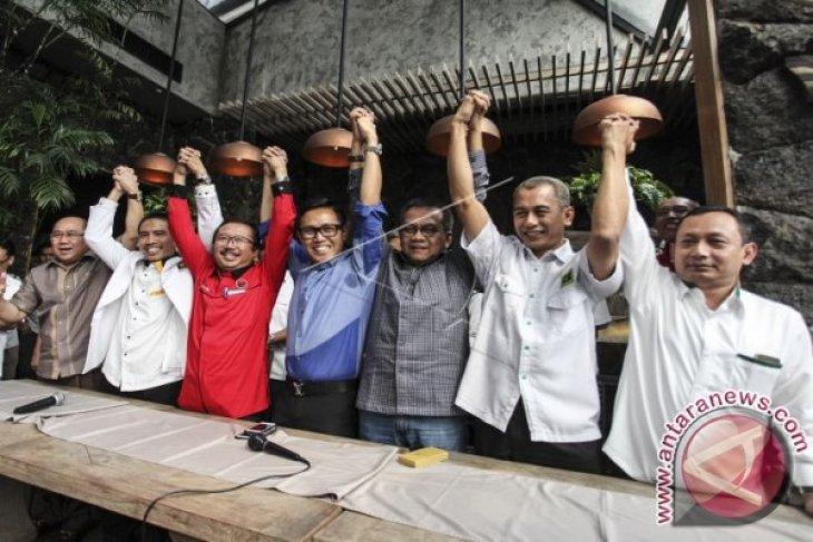 Risma Perekat Koalisi Tujuh Partai