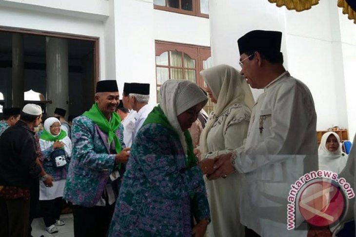 Bupati Rejanglebong imbau JCH jaga kesehatan