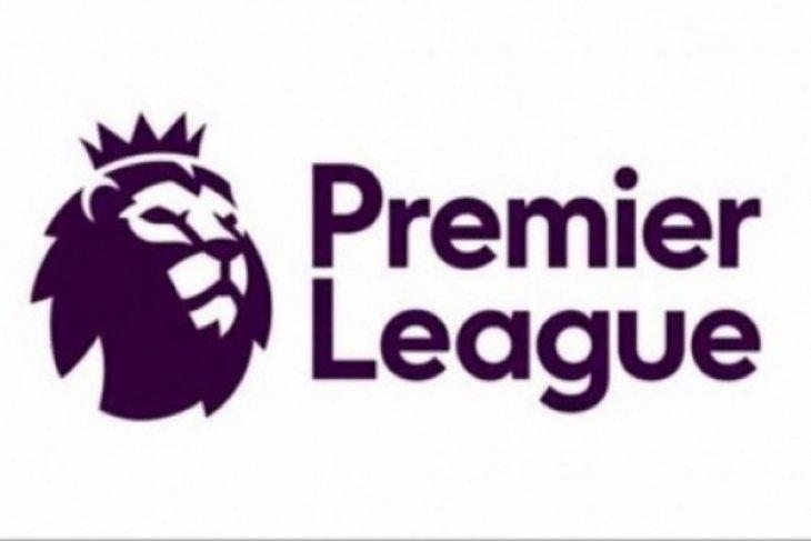 City diambang juara, Chelsea dipermalukan Spurs