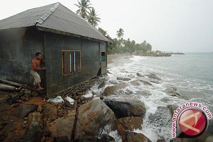 Puluhan Rumah Warga Aceh Selatan Terancam Abrasi