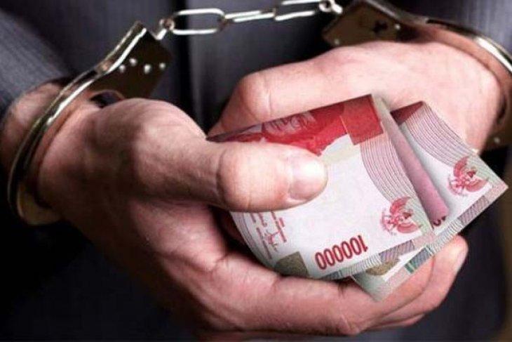Mantan pemain timnas sepak bola dilaporkan ke polisi atas dugaan penipuan