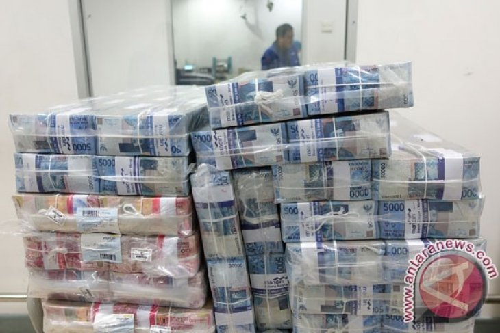 Jajaran Kejaksaan Negeri Timika setor uang korupsi Rp1,295 miliar