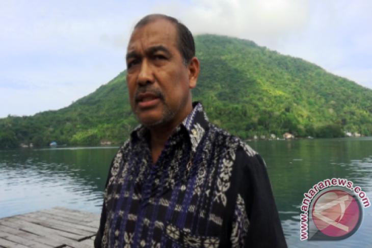 Nono Sampono dari pedagang ikan hingga jenderal marinir