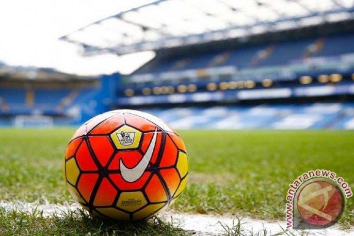 Pertandingan Liga Belgia dihentikan karena penonton rusuh