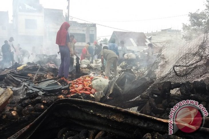 Puluhan kios pedagang terbakar di Aceh Utara