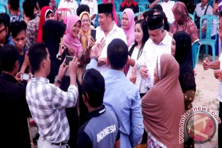 Warga Tempilang Padati Kampanye Cagub Hidayat Arsani