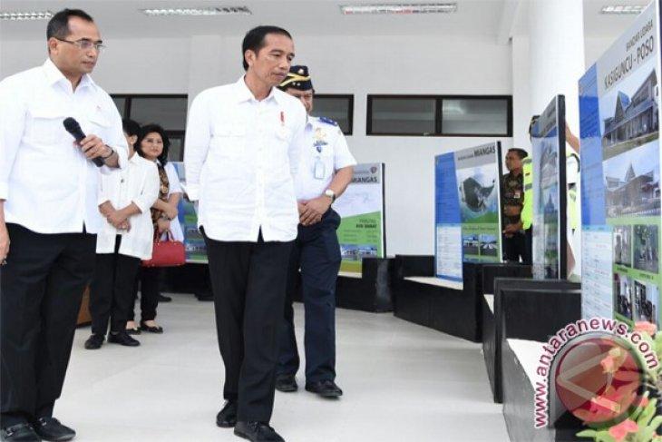 President Jokowi reviews work at Soekarno-Hatta Airport railway project
