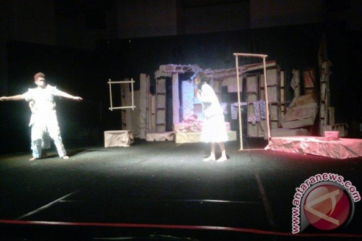 Teater AiR Jambi pentaskan