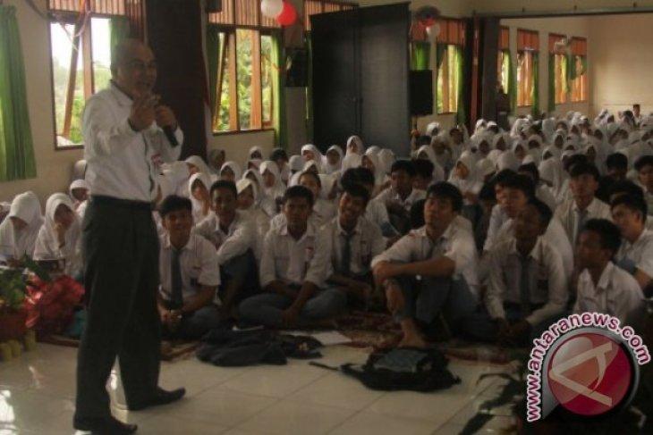 Program BUMN Mengajar Singgahi SMAN 4 Balikpapan