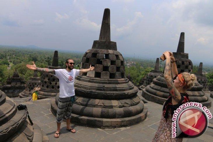 Indonesia remains upbeat despite revising tourist arrival target