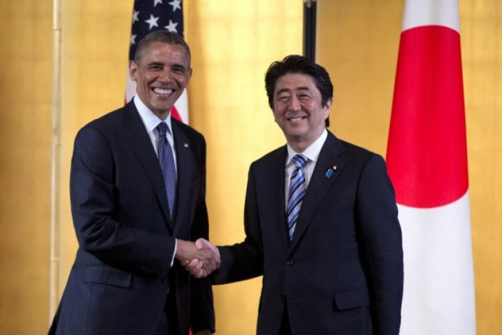 Japan PM to visit Hawaii to remember Pearl Harbor victims with Obama