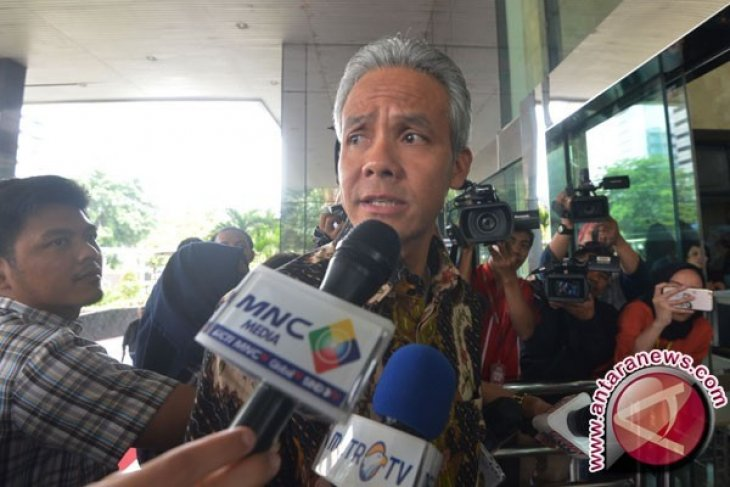 Ganjar minta teror terhadap Timses Sudirman dilaporkan ke polisi