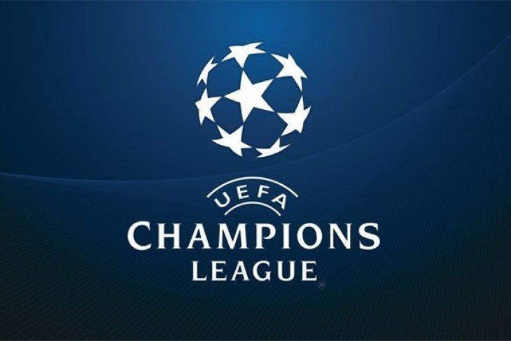 Manchester City hajar Basel 4-0