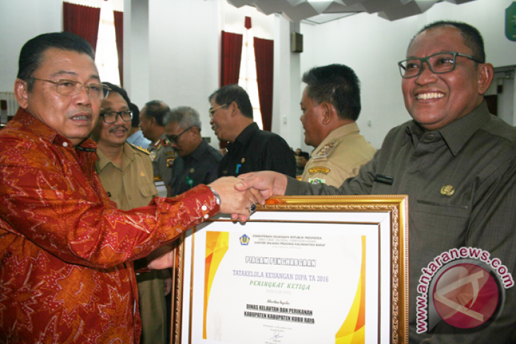 KPPN Singkawang serahkan DIPA tahun 2018