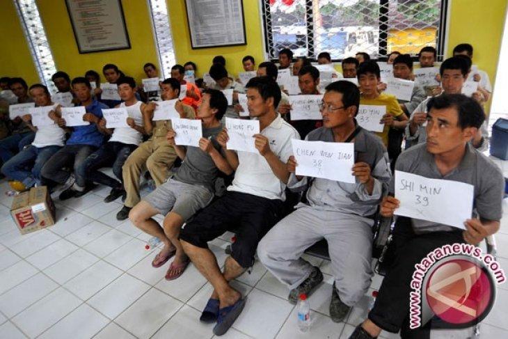 Ramai mempermasalahkan TKA ilegal China