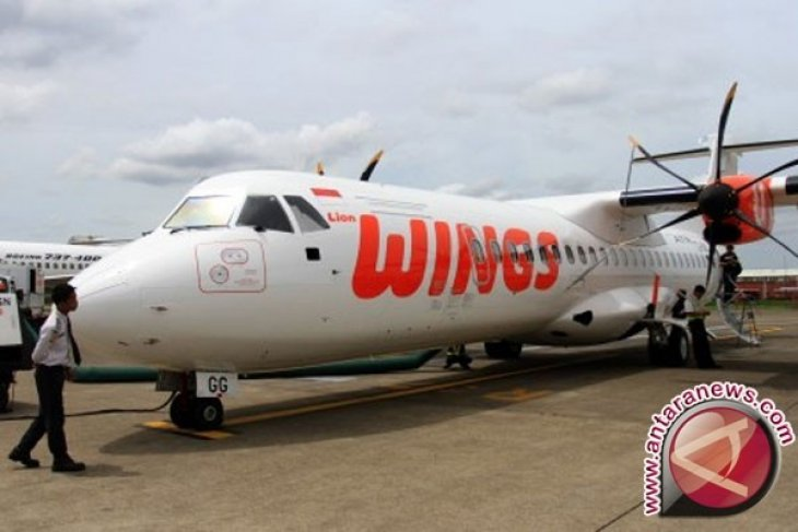 Roda Pesawat Wings Air Pangkalan Bun-Ketapang Terejerembab
