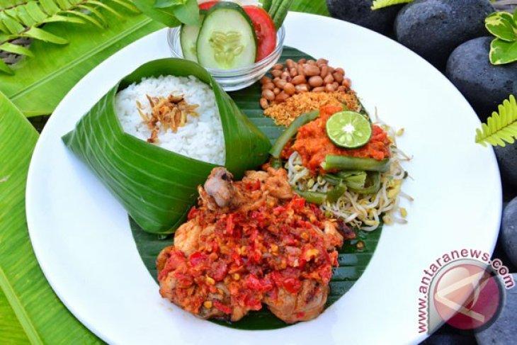 HARRIS Hotel & Conventions Denpasar Memperkenalkan Hidangan Favorit Indonesia