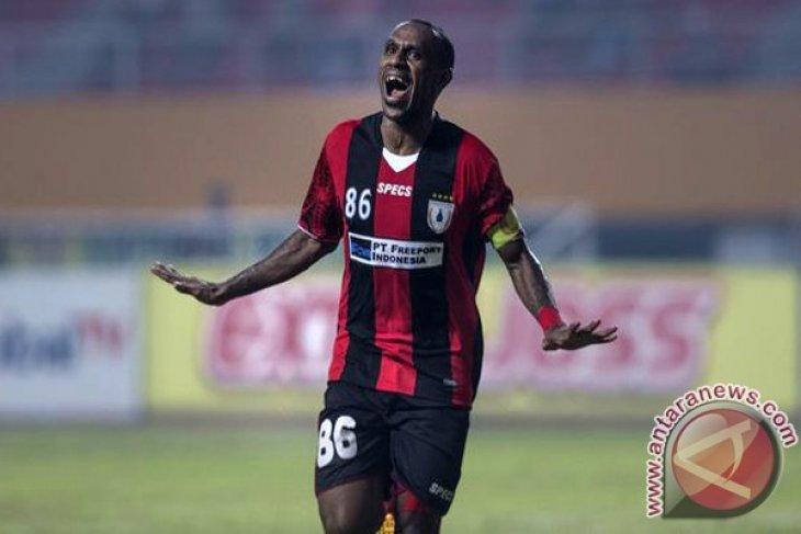 Pelatih PSM Makassar lontarkan pujian di tengah rumor kedatangan Boaz Solossa