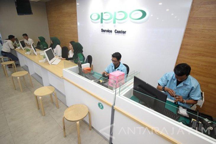 Pembukaan Toko Dan Pusat Servis OPPO Surabaya