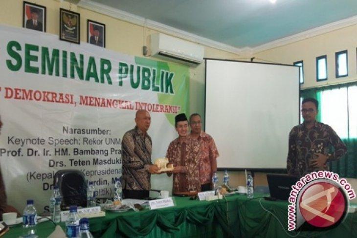 Kepala Staf Kepresidenan Kunjungi UNMA Banten