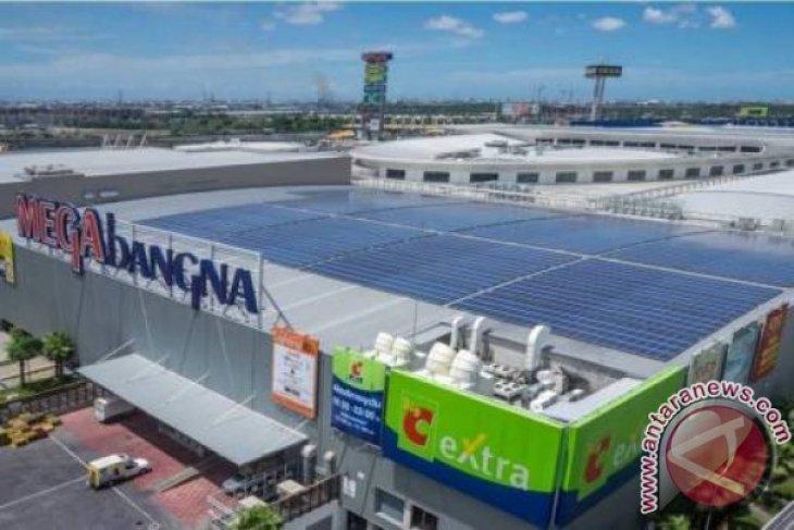 Phoenix Solar pumps renewable energy into IKEA store
