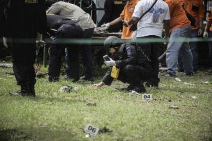 Tas Ransel Milik Pelaku Penusukan Dua Anggota Brimob Diledakkan