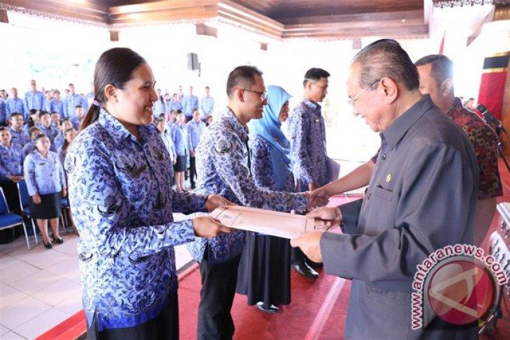 Bupati Agung Bharata Serahkan SK PNS kepada 137 CPNS Kabupaten Gianyar
