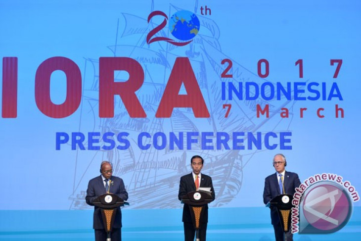 Indonesia hands over IORA chairmanship to S Africa
