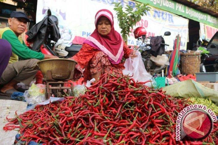 Harga cabai turun di pasar tradisional
