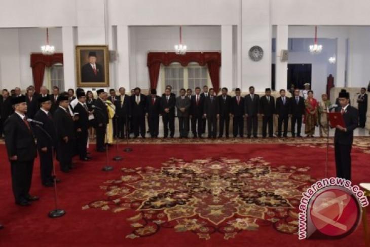 President Jokowi installs 17 Indonesian ambassadors