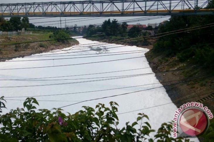 Ini Penyebab Pencemaran Kali Bekasi
