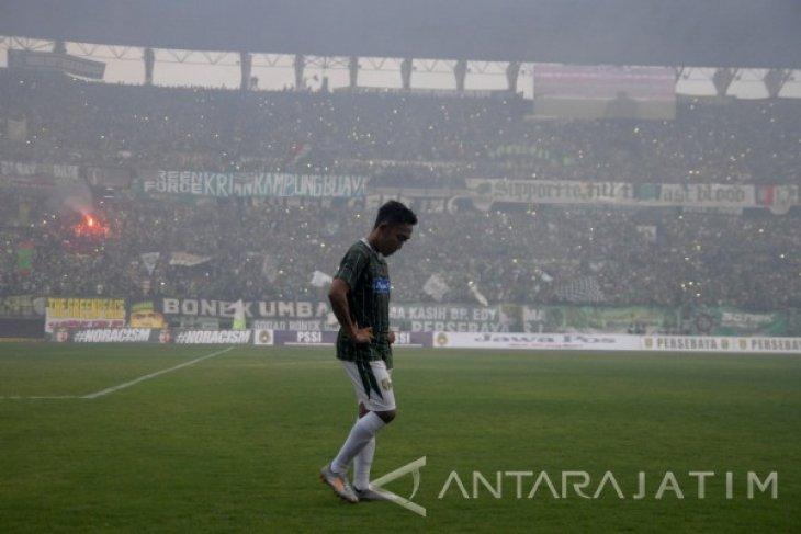 Dispora Surabaya Cek Kelayakan Rumput Stadion GBT