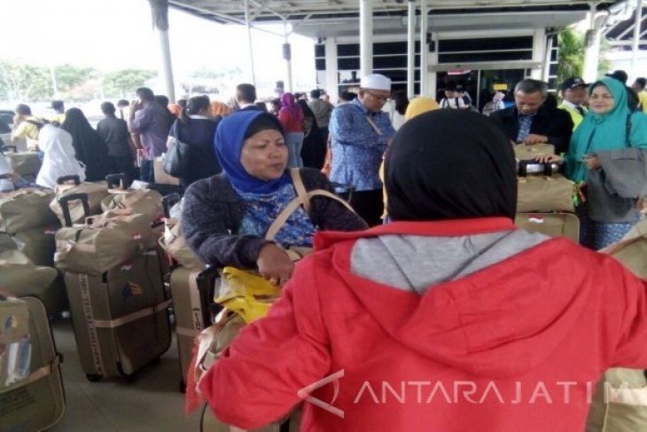45 Orang Jamaah Umrah Situbondo Telantar di Tangerang